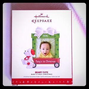 👼 2016 Hallmark Baby's First Christmas